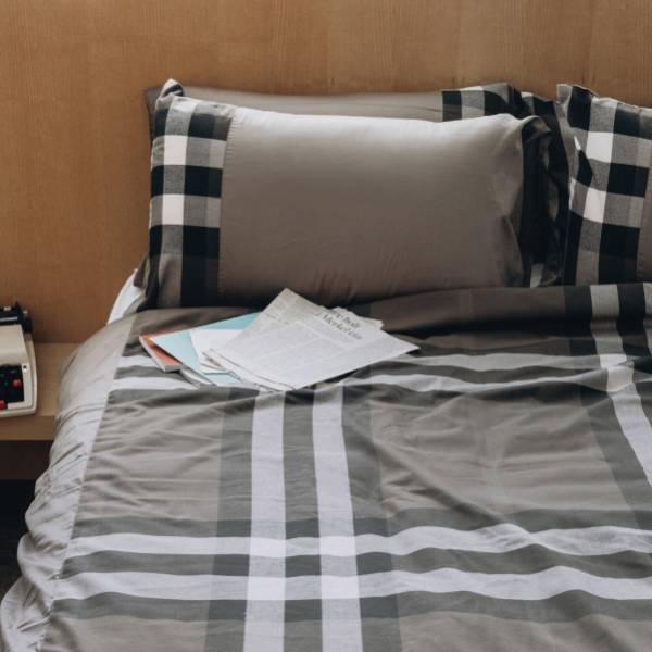 (法蝶新品)經典英倫系列灰綠格紋被胎枕頭套三件組6*7 primaloft溫暖被 47*74灰綠格紋美式枕頭套(無床包)