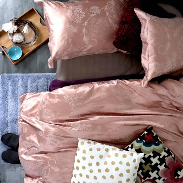 (特大雙人)La Fatte新品|緹花四件式床組-LAT15 錦玉 淺紅 特大雙⼈床包6*7呎加大被單組8*7呎