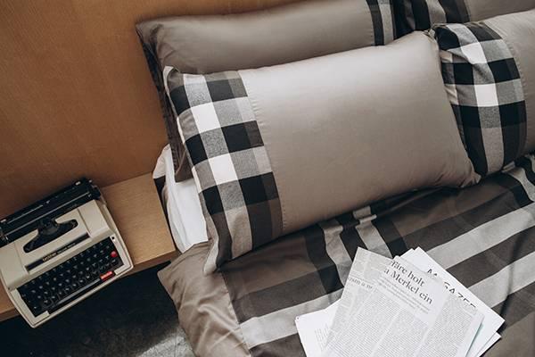 (法蝶新品)經典英倫系列灰綠格紋美式枕頭套47*74(一付兩件)