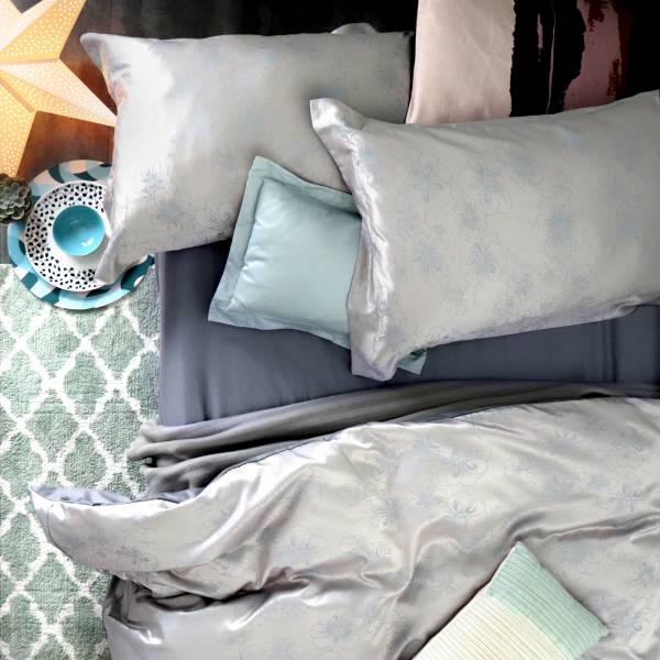 (QUEEN雙人加大)La Fatte新品|緹花四件式床組-LAT14 亞曼 灰藍 加大雙⼈床包被單組 8*7ST6*6.2*35