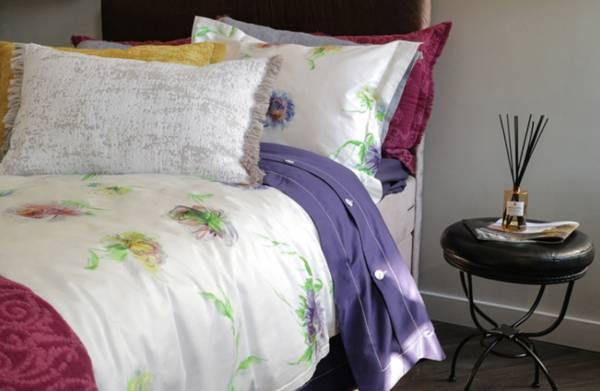 Aster Blanc頂級原裝埃及棉緞織四件式床組(Queen床包+加大被套)