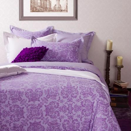 azomaco印花四件式床組-A232 蘿莉紫香 床包尺寸:5x6.2呎x30cm ; 被子尺寸:6x7呎(約180x210 cm)