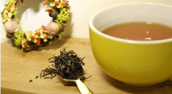 【莊園紅茶】斯里蘭卡高山紅茶300g 蜜果香 產自斯里蘭卡高山,努沃勒埃利耶茶區的小葉種紅茶,帶有些微甜味為其特色,茶湯色澤不似阿薩姆般深紅,滋味舒雅麗緻,微漾蜜甜的果香,呈現古典迷人的紅茶滋味