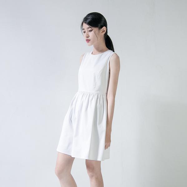 Pleated 娃娃蓬裙洋裝_白