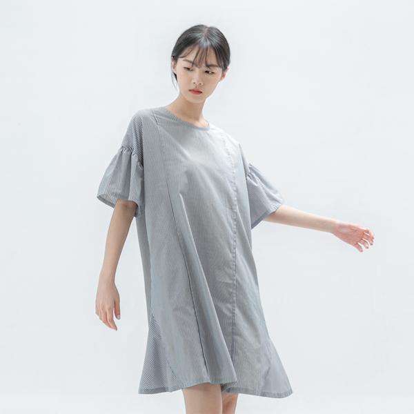 Elegant_綺麗褶片造型洋裝_灰白條