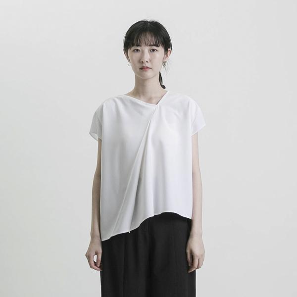 Future_未來不對稱褶子上衣_白