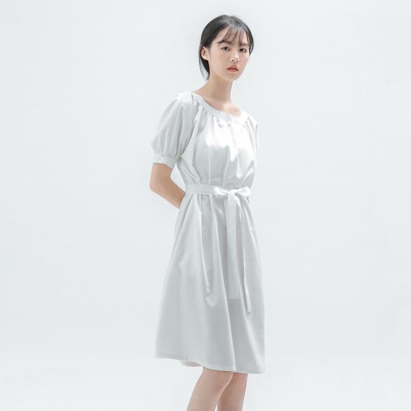 Lush_如茵皺褶洋裝_白底細條紋
