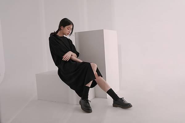 Youzi_遊子寬鬆洋裝_黑