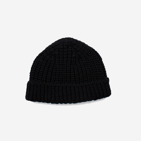 CABLEAMI - WOOL SHORT W / CAP-BLACK