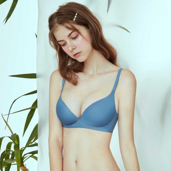 TJP 日式零著感舒柔無痕無鋼圈內衣-藍色