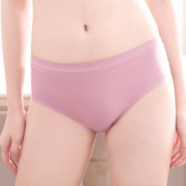 TJP 時尚簡約透涼無痕蠶絲內褲4件組( 顏色隨機)