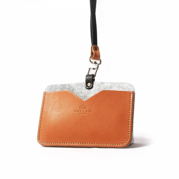 【icleaXbag】 Imported leather made horizontal ID card holder 橫式雙匣識別證套