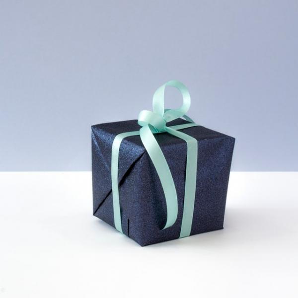 《小點  緞帶禮物盒》