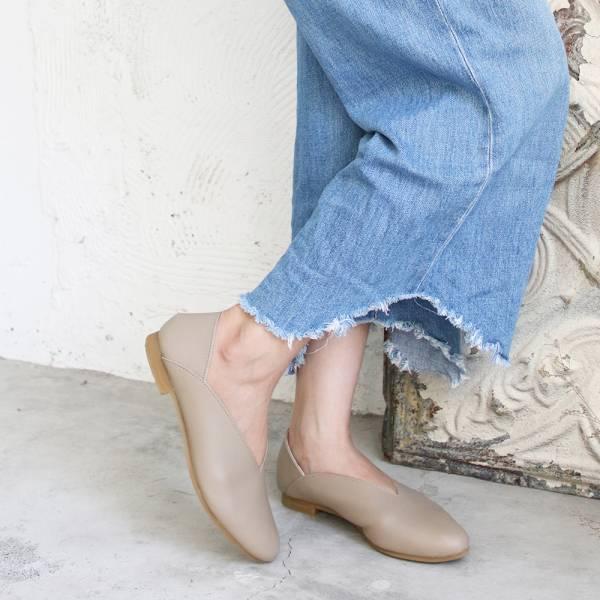【訂製】世界系列_日本製Recipe小腳效果V型微尖便鞋/米灰
