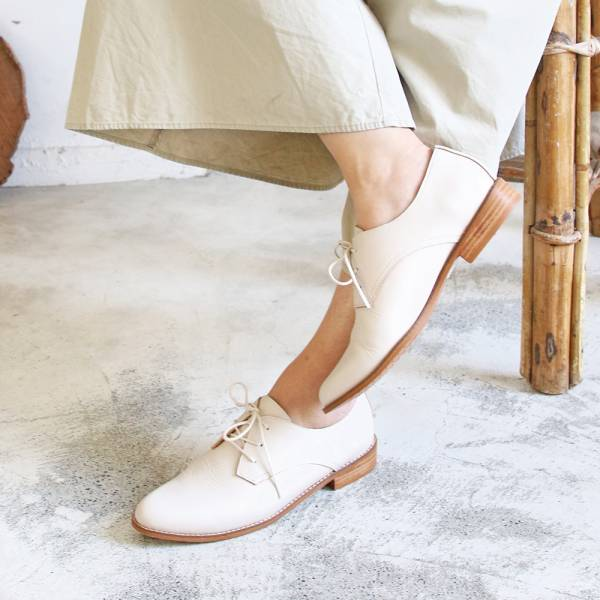 【手工訂製】改版款_腳型更修長經典德比鞋_米白