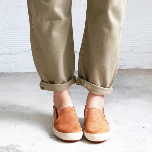 【現貨】一套就走,軟綿綿真皮懶人休閒鞋-駝