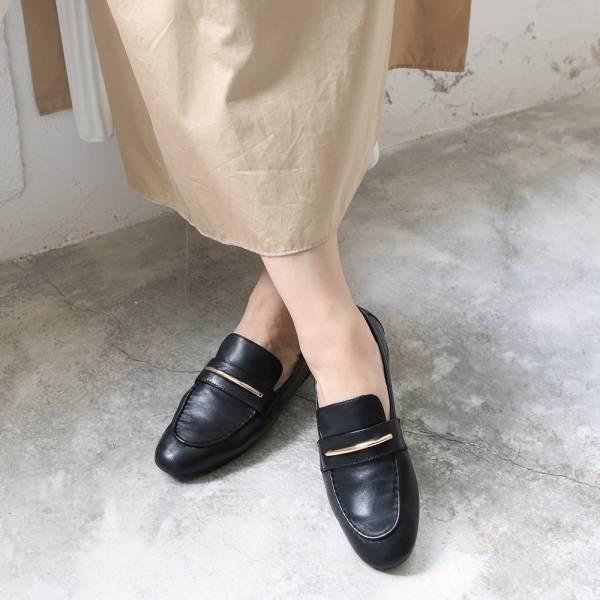 【現貨】世界系列_軟羊皮金屬飾條樂福便鞋_黑
