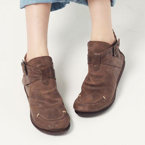 現貨【日本製】D'knot植揉牛皮交叉扣帶短靴-深棕M