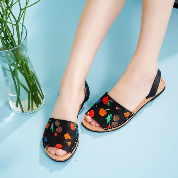 【訂製】二代西班牙風全皮底涼鞋-黑底小花