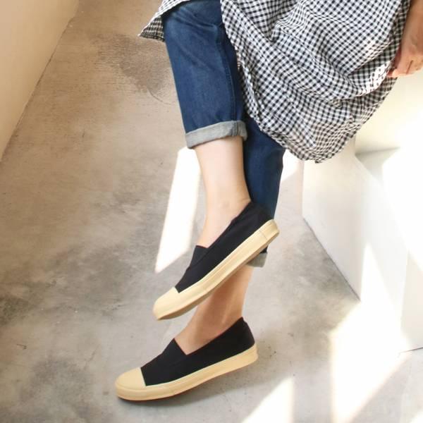 【現貨】世界系列_Pennylane防踢設計_全包式帆布休閒鞋_黑