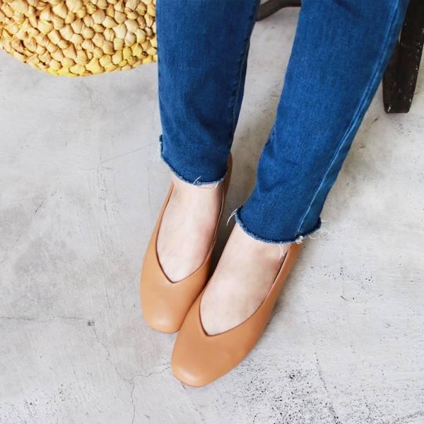 【訂製】小方頭素面綿羊皮平底鞋-米