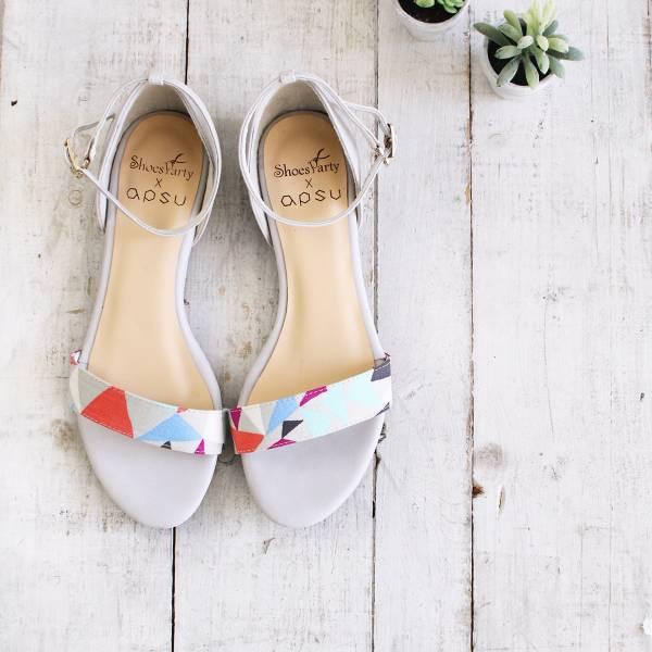 【最後一雙】幾何一字帶小坡跟涼鞋-23.5