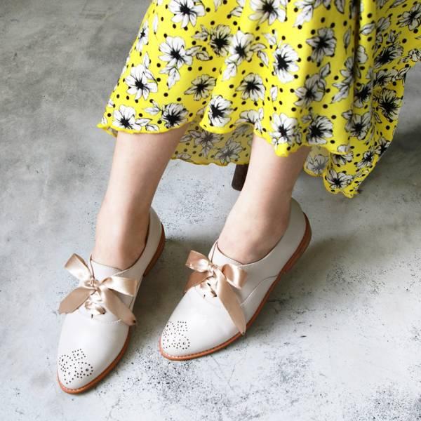 【訂製】經典真皮雕花緞帶牛津鞋-米白
