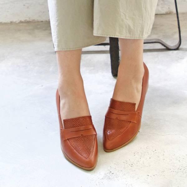 【手工訂製】真皮拼接俐落造型樂福鞋_駝