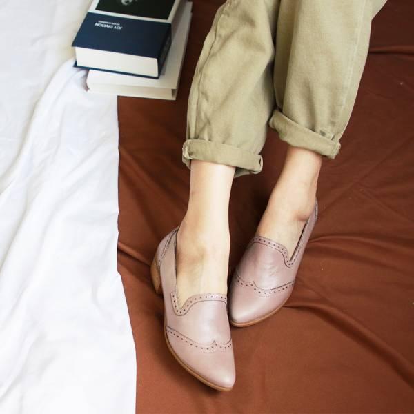 【訂製】外尖內圓真皮沖孔中跟牛津鞋-藕粉