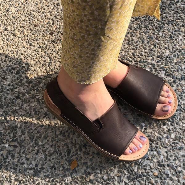 【現貨】Q彈厚底牛皮後帶魚口涼鞋-深棕
