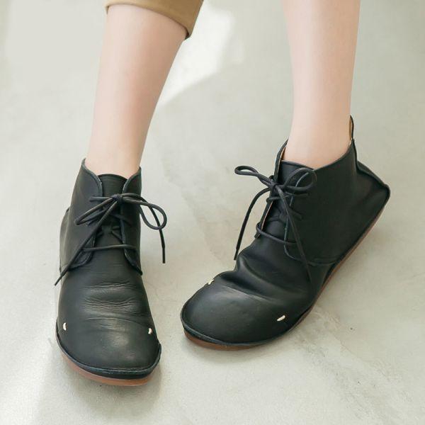 預購【日本製】D'knot柔軟植揉牛皮綁帶短靴-黑