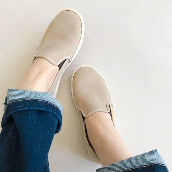 【現貨】一套就走,軟綿綿真皮懶人休閒鞋-灰