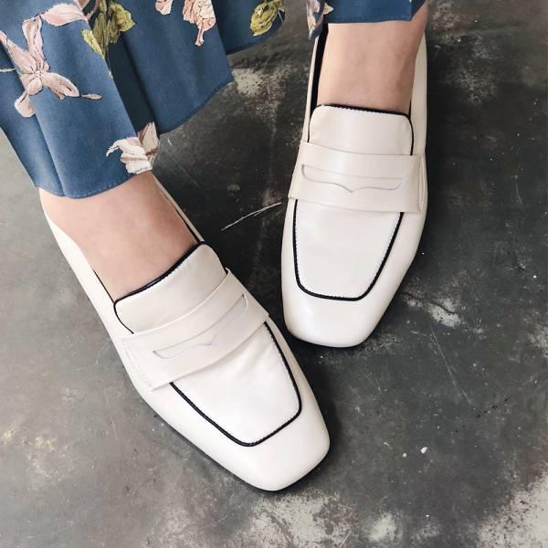 【現貨】世界系列-方頭真皮樂福鞋-米白