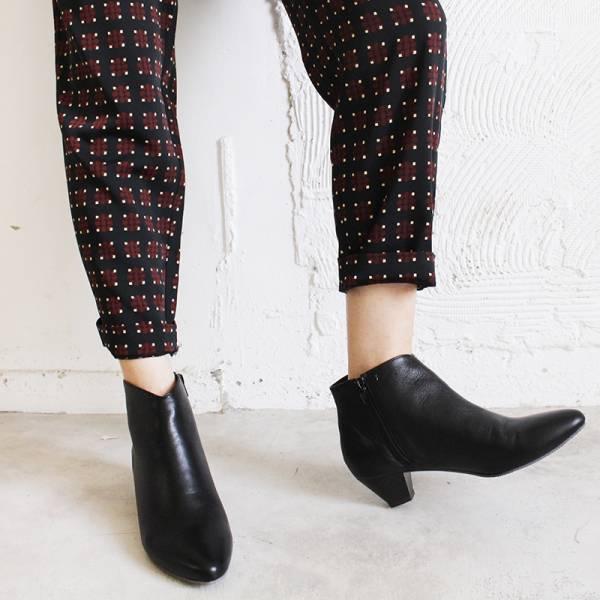 【訂製】羊皮素面安定低跟短靴-黑