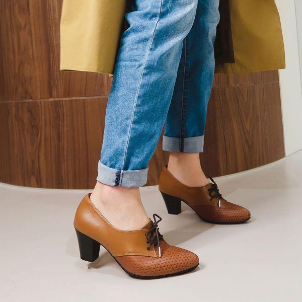 【現貨】寬腳版也可穿!綁帶氣質尖頭踝靴_駝