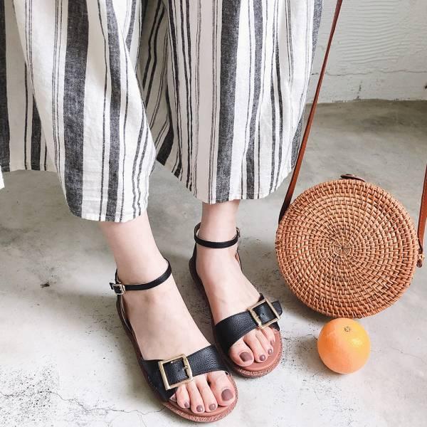 【訂製】Simple+個性大飾扣漢堡底涼鞋-黑