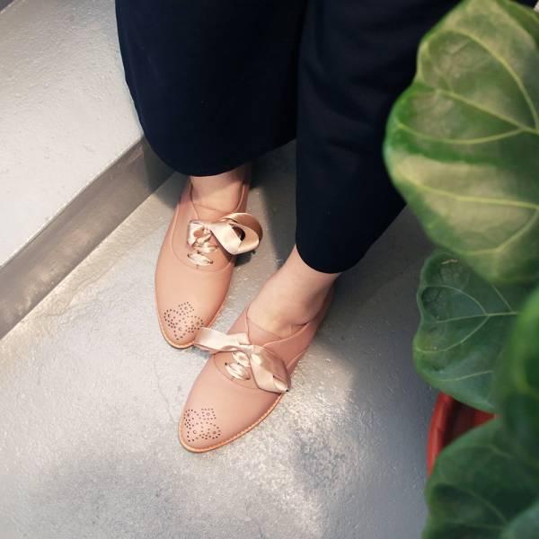 【訂製】經典真皮雕花緞帶牛津鞋-淺粉