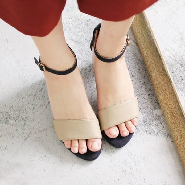 【高雄快閃_優惠價現貨】春夏必備簡約一字設計中跟涼鞋_淺米x藍