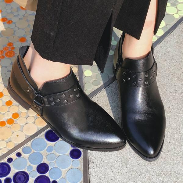 【限量預購】世界系列-帥氣鉚釘踝靴-黑
