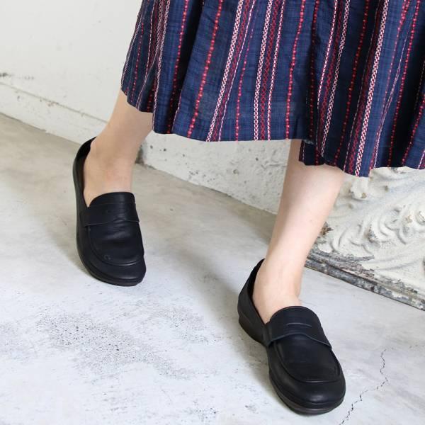 世界系列_日本製D'knot柔軟植鞣皮精靈樂福休閒鞋-黑