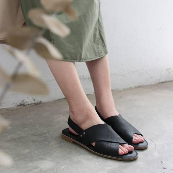 【預購】世界系列_日本製Recipe寬版交叉軟皮涼鞋-黑