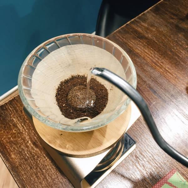 日本製造進口・錐形手沖濾紙 100入( 2-4人,無漂白) coffeemart,濾紙,手沖濾紙,高級濾紙,V01濾紙,日本製造進口,錐形濾紙,錐形手沖濾紙,2-4人濾紙100入,咖啡市集