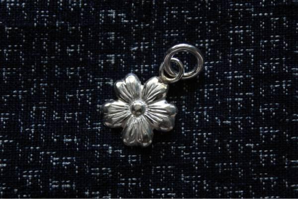 KinG Smith - 小高山薔薇墜飾/現貨