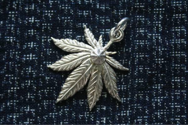 KinG Smith - 大麻葉點銀菊/訂製