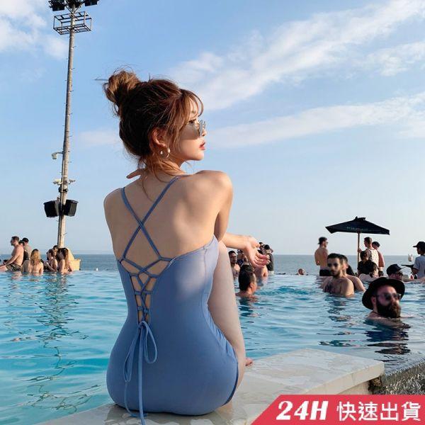 【現貨】梨卡-連身泳衣連身泳裝 - 藍色精靈唯美氣質【有胸墊+性感後鏤空】純色露背比基尼三角連身泳衣CR621 連身泳衣,連身泳裝,性感,後鏤空,純色,露背,比基尼,三角連身泳衣