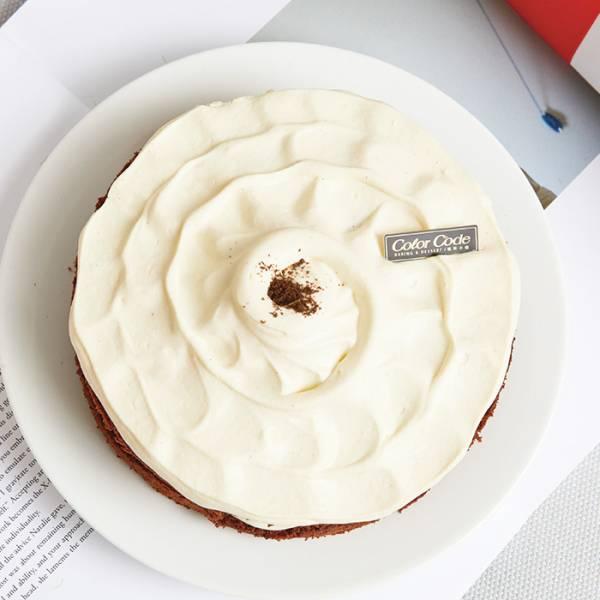 白色芭娜娜-6吋 白色芭娜娜,巧克力,台北人氣蛋糕,網購蛋糕,蛋糕推薦,生日蛋糕推薦,宅配蛋糕,宅配生日蛋糕,巧克力蛋糕,香蕉巧克力蛋糕,長輩生日蛋糕,長輩生日蛋糕推薦