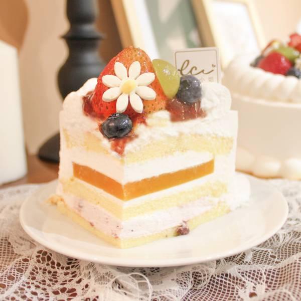 歐牧鮮奶油綜合水果蛋糕-6吋 歐牧鮮奶油綜合水果蛋糕,鮮奶油,水果,慶生,長輩蛋糕,台北人氣蛋糕,生日蛋糕,網購蛋糕,蛋糕推薦,小朋友慶生,小朋友蛋糕