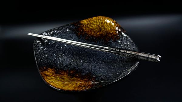 TIGT - 鈦天箸 - 匠人手拋亮光銀 - 布套版本一雙裝 ( 附贈布質筷套一只 )  限塑 鈦金屬 環保 一體成型