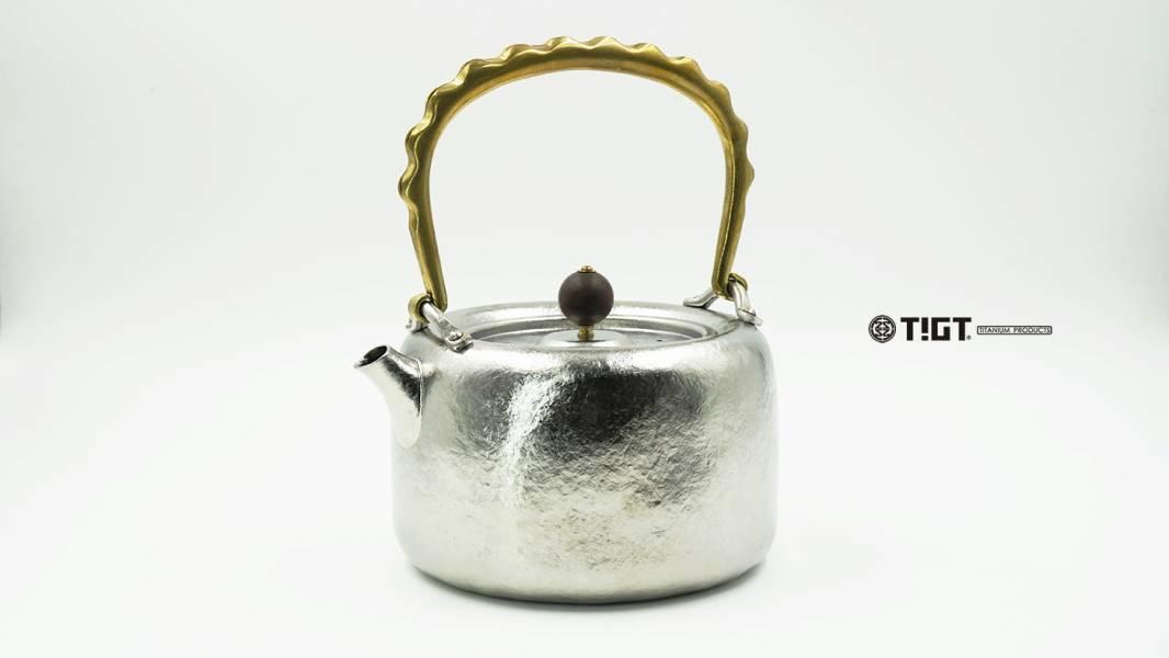 <預購>TIGT - 鎏金鈦壺 - 純鈦精製鈦金屬茶壺-鈦製壺身+銅製提把+容量1L