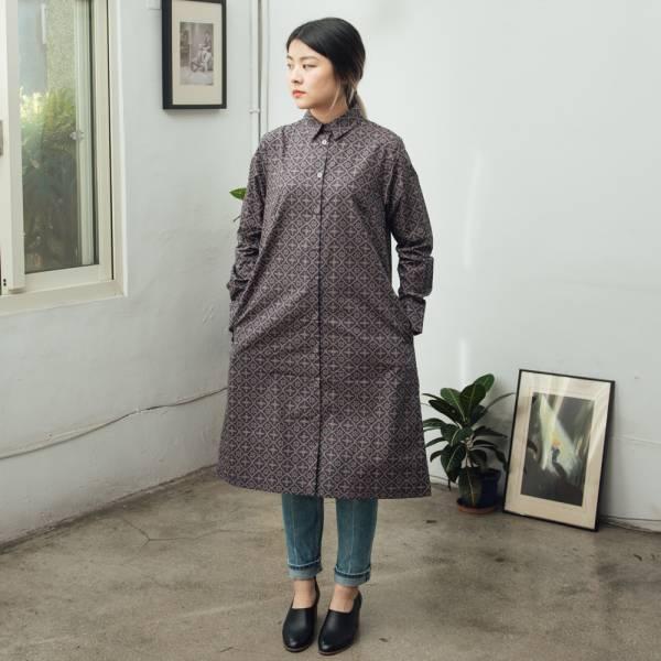 長袖長版襯衫/玻璃海棠/午夜藍褐 洋裝,罩衫,寬版,花襯衫,印花布料